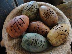 primitive easter eggs plastic or wooden eggs covered in glue place in baggy with cinnamon