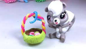 littlest pet shop easter eggs how to make a tiny easter basket for your littlest pet shop