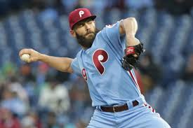 jake arrieta sinks pirates in 7 0 phillies rout philly