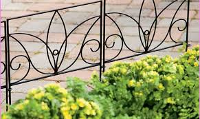 Garden Fence Decor Garden Ideas Patio Fence Ideas Garden Fence Decorations Cheap