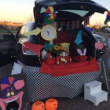 party city halloween decorations alice in wonderland a trunk or treat halloween pinterest