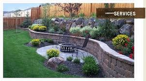 Fence Backyard Ideas by Backyard Landscaping Ideas Along Fence Landscaping Around Fence