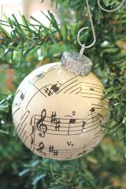 musical note ornament use a mini for a small tree
