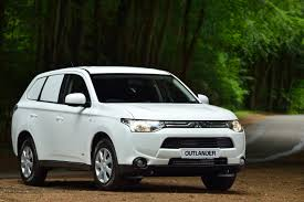 mitsubishi van mitsubishi retains best 4x4 car derived van of the year title at