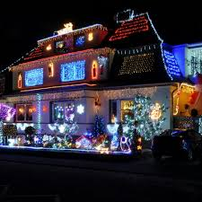 Decoration House Christmas Lights by 50 Spectacular Home Christmas Lights Displays U2014 Style Estate
