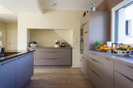 poser plan de travail cuisine comment poser un plan de travail de cuisine sans meuble cdiscount