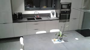 la cuisine d amandine cuisine sur mesure blanc brillant de amandine c réalisation