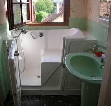 si e baignoire personnes ag s les 20 meilleures images du tableau baignoire à porte vallon sur