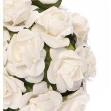 fleurs blanches mariage boule de fleur roses blanches pour mariage instemporel