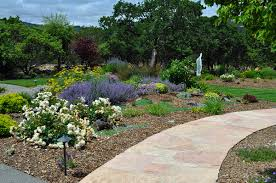 Flagstone Walkway Design Ideas by Flagstone Landscaping Ideas Christmas Lights Decoration