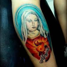 imagenes tatuajes de la virgen maria tatuaje de la virgen maría junto con un corazón en