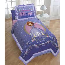 chambre princesse sofia ensemble couette et couvre oreiller princess sofia de disney lit