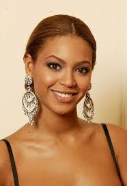 beyonce earrings lorraine schwartz pink diamond and emerald earrings ethnic