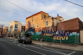 Bernie Sanders New House Pictures Help Old Broads And Disto Create A Phillythebern Mural Streets