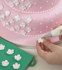 how to make and decorate a wedding cake step by step guide