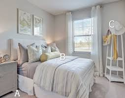 d o chambre b when you enter your bedroom where do you put your belongings a