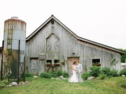 wedding bathroom basket ideas how to have a barn wedding