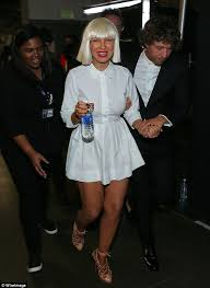 Chandelier Sia Cover Sia Reveals Her Face Backstage At The Grammys Daily Mail Online