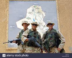 Map Of Babylon Dpa On Their Day Off Us Soldiers Pose In Front Of A Map Of