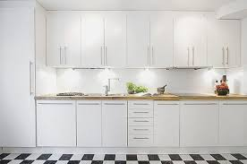 Delighful White Square Tile Backsplash Company C Intended Design - Square tile backsplash