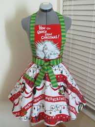 Grinch Outdoor Christmas Decorations For Sale by Best 25 Grinch Christmas Decorations Ideas On Pinterest Grinch