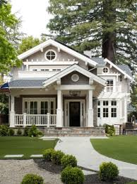 Small House Exterior Paint Schemes by Best 25 Cottage Exterior Colors Ideas On Pinterest Cottage