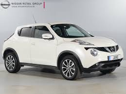 nissan juke used nissan juke tekna white cars for sale motors co uk