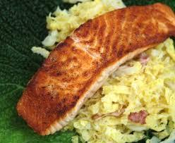 cuisiner chou pointu saumon au chou facile recette de saumon au chou facile marmiton