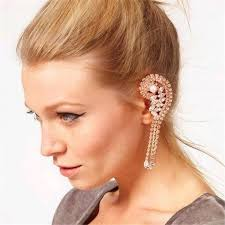 ear cuffs on both ears which of earrings together with t shirt create wonderful look