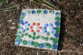 Garden Stone Ideas by 30 Beautiful Diy Stepping Stone Ideas To Decorate Your Garden