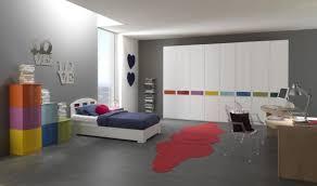 mur chambre ado chambre enfant déco chambre ado couleurs murs gris armoires