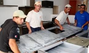 installation plan de travail cuisine ardoise cuisine plan de travail carreaux de sol salle de bain