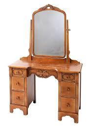 Vintage Vanity Table Best 25 Old Vanity Ideas On Pinterest Furniture Ideas Dressers