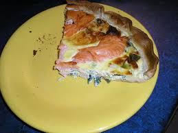 comment cuisiner un poireau recette de tarte aux poireaux et saumon fumé la recette facile