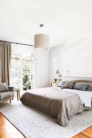 feng shui bedroom i m a feng shui expert i would never lay out my bedroom like this