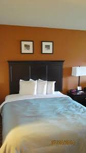 hotels with 2 bedroom suites in savannah ga queen suite has two queen beds and a sofa bed picture of country
