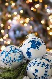 decor chinoiserie ornaments blue and white