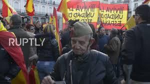spain around 1 000 far right activists protest catalan