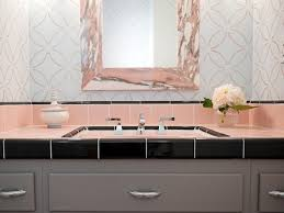 best 25 retro bathroom decor ideas on pinterest mirror wall