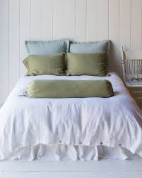 bedroom blue and white duvet cover queen with grey wall and area