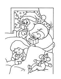 coloriage de chambre de fille coloriage père noël dans la chambre d une fille