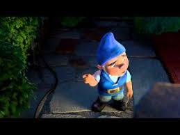 gnomeo gnomeo balcony scene gnomeo juliet juliet