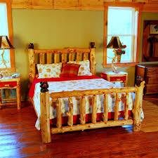 Log Bedroom Furniture Katmai Cedar Log Bed With Bear Carvings Niangua Furniture