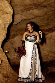 Red And White Wedding Dresses 35 Black U0026 White Wedding Dresses With Edgy Elegance