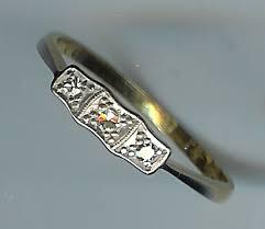 very pretty art deco 3 stone diamond ring sh3931 225 00