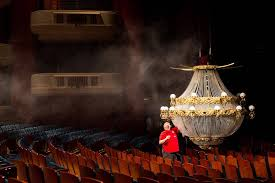 Phantom Chandelier Phantom Of The Opera At Smith Center Introduces Modern Look Las