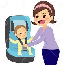 clip ceinture siege auto petit garçon mignon assis sur le siège auto pour bébé avec la mère