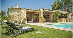 chambre d hotes bed and breakfast in provencal farmhouse near of avignon le