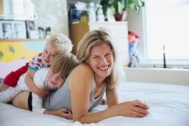 17 habits of very happy moms