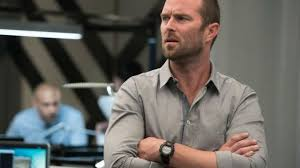 the watch casio kurt weller sullivan stapleton in blindspot